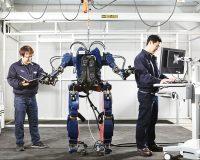 Hãng xe nâng Huyndai chế tạo rô bốt như Iron Man có sức mạnh như người sắt !
