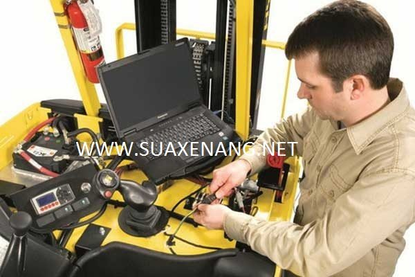 Hướng dẫn kiểm tra bảo trì xe nâng điện chi tiết