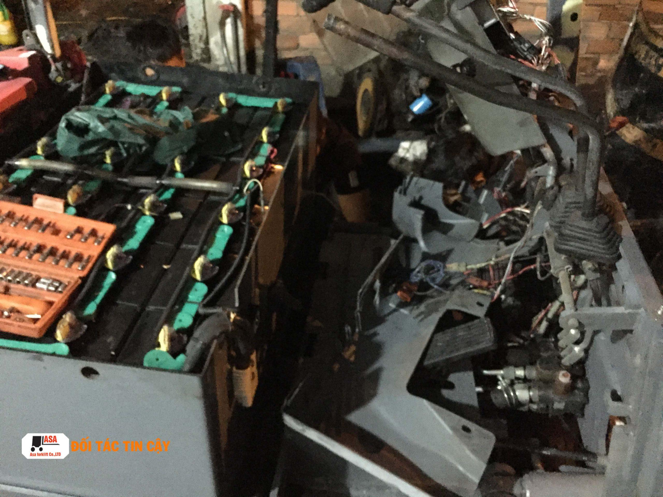 Lí do xe nâng thường bị hư hỏng là do xe nâng hàng không được bảo dưỡng thường xuyên