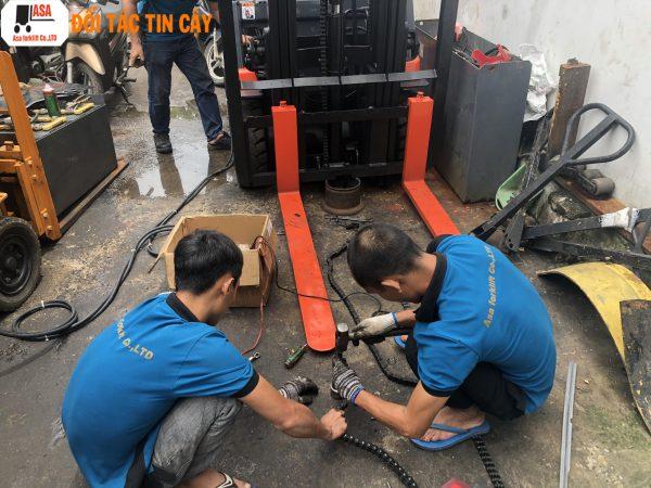 Sửa chữa xe nâng đòi hỏi một đơn vị có rất nhiều kinh nghiệm