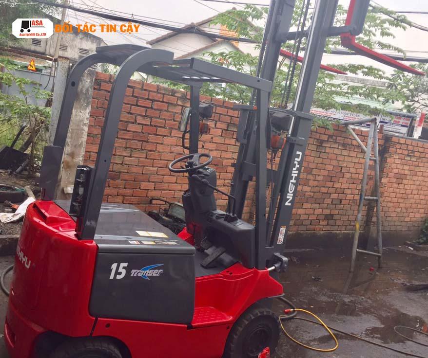 Một chiếc xe nâng điện sau khi qua tay Asa,, phục hồi toàn bộ các hệ thống hư hỏng