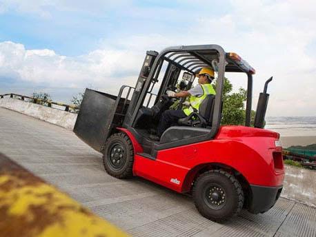 Bảo hộ lao động giúp bảo vệ an toàn sức khỏe và tính mạng cho người lao động